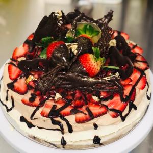 Chocolate Berry Pavlova